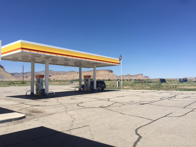 Shell Gas Station, Thompson Utah